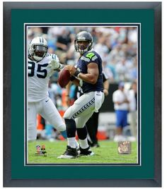 """Russell Wilson 2013 Seattle Seahawks - 11 """"x 14"""" Framed/Matted Photo"""