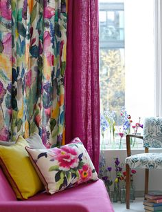Window Treatment Ideas with Bright Curtains and Drapes from Bluebellgray Bright Curtains, Curtains Living, Colorful Curtains, Drapes Curtains, Floral Curtains, Colorful Interior Design, Colorful Interiors, Salons Cosy, Bluebellgray