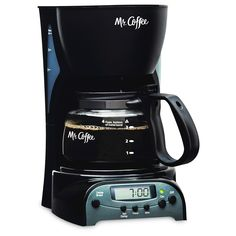 Coffee Programmable Coffeemaker - Brewing pause 'n serve lets you pour a cup of coffee while the coffeemaker is still brewing 5 Cup Coffee Maker, Best Drip Coffee Maker, Coffee Maker Machine, Coffee Machines, Espresso Machine Reviews, Coffee Maker Reviews, Best Espresso Machine, Coffee Tumblr, Nitro Coffee