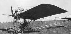 Resultado de imagem para santos dumont French Inventors, Plane Design, Aircraft, Parasailing, Wwi, History, Jets, Airplanes, Steampunk