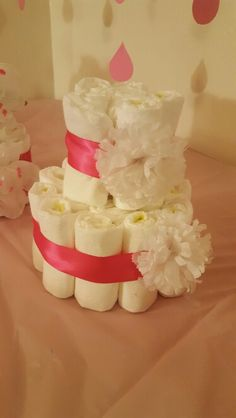 5b443bc250a81 Babyshower simple diaper cake centerpiece