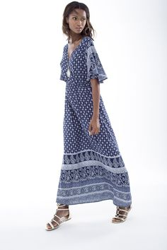 A perfect homage to the the boho printed maxi dress. Moroccan Print, Shoe Shop, Art Direction, Fashion Online, Stylists, Fashion Accessories, Feminine, Plus Size, Boho