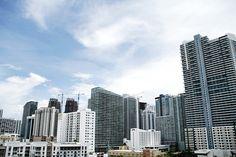 miami skyline view downtown skyscraper