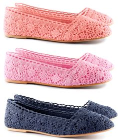 Discover thousands of images about Crochet Leather Heels Free Pattern - DIY Ways Refashion Heels Instructions Crochet Sandals, Crochet Boots, Crochet Slippers, Crochet Clothes, Crochet Lace, Knit Shoes, Sock Shoes, Crochet Flip Flops, Chanel Shoes Flats