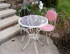 ice cream parlor chairs wrought iron | ... Sale Archeologist: Mid-century Wrought Iron Table and Chairs OH MY