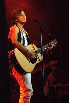 GIANNA NANNINI (Siena, 14 giugno 1954) è una cantautrice e musicista italiana.   #TuscanyAgriturismoGiratola