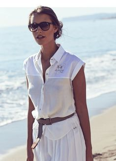 Delicate materials for the perfect beach weather. Get the look on www.lamartina.com