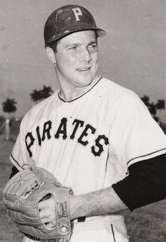 """Baseball's Forgotten Stars"": The Pirates' Bob Friend - Baseball History Comes Alive! Pittsburgh Pirates Baseball, Pittsburgh Sports, Baseball Photos, Baseball Cards, Pirate Pictures, Baseball Players, Mlb Players, Cleveland Indians, Pennsylvania"