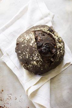 sourdough noir | theclevercarrot.com Sourdough Recipes, Sourdough Bread, Bread Recipes, Starter Recipes, Cake Recipes, Cooking Recipes, Chocolate Flavors, Chocolate Recipes, Chocolate Chips