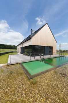 Architizer is the largest database for architecture and sourcing building products. Home of the A+Awards - the global awards program for today's best architects. Modern Barn House, Architectural House Plans, Rural House, Roof Architecture, Wooden House, House Roof, Samos, Building A House, House Design