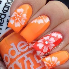 Tropical nail art designs are in vogue because summers give you unlimited options to flaunt your nails in peppy styles. Fancy Nails, Trendy Nails, Cute Nails, 3d Nails, Acrylic Nails, Beach Themed Nails, Beach Vacation Nails, Hawaiian Nails, Tropical Nail Art