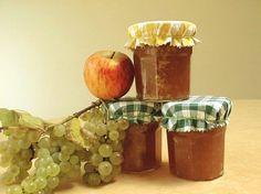 mermelada_de_uvas_y_manzanas Chutney, Fruit Confit, Salsa Dulce, Food Illustrations, Tostadas, Candle Holders, Candles, Homemade, Canning
