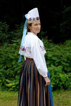 Eesti Rahvarõivad > Viru-Nigula naine