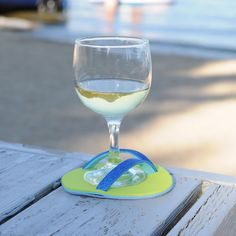 DIY flip flop wine coasters - too cute for summer parties!!