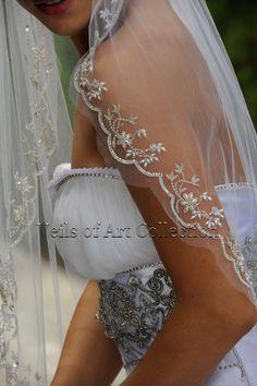 Designer One Tier Embroidered Bridal Wedding Veil Fingertip Wedding Looks, Dream Wedding, Wedding Day, Bling Wedding, Wedding Veils, Wedding Dresses, Bridal Veils, Hair Wedding, Bridal Accessories