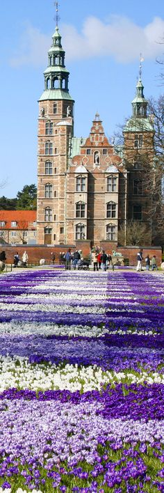 Springtime at Rosenborg Castle - Copenhagen  PLAID PLANTING