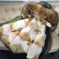 "1,350 curtidas, 9 comentários - ARIA MODA (@aria.moda) no Instagram: ""👑Joy👑 parka on our webshop ➡ @aria.moda - 420€ on BIG SALE - Cotton + raccoon fur liner + fur fox…"""