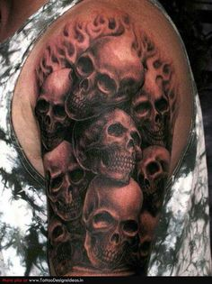 Sweet tat... the different perspectives of each skull is amazing.