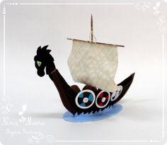 Topo de bolo Barco Viking de feltro