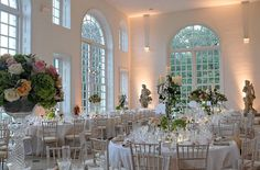 Love in full bloom. Botanical garden wedding venues featuring RHS Wisley, Kew Gardens and Consall Hall Gardens.