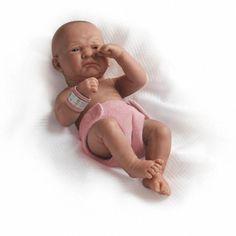 la-newborn-nina-recien-nacida-con-pucheros. Muñecas y juguetes