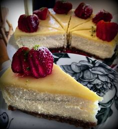 ARIFE TARIF GEREK: Limonlu Cheesecake (Videolu Tarif) Lemon Cheesecake, Mini Cheesecakes, Food Videos, Healthy Recipes, Healthy Meals, Sweets, Candy, Desserts, Sign