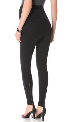 Black pants or legging are a must to wear with all your top. #maternity