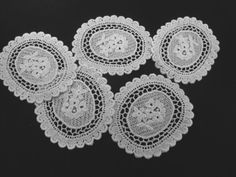 Five Pale Ivory Cotton Venice Lace Medallion Appliques Inserts for Sewing Summer Wedding Home Decor Linens S121