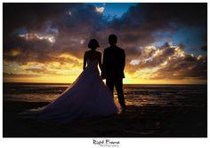 www.rightframe.net - Beautiful destination sunset beach wedding in Oahu. photography, photographer, weddings, photos, bride , groom, hawaiian, ko olina, ko'olina, koolina, secret beach, Lanikuhonua Beach, JW Marriott Ihilani hotel, sunset, sun, romantic, ideas, paradise, cove, silhouette.