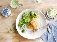Lekkere zalm met verse citroen en dragonsaus met Alpro plantaardig alternatief voor yoghurt