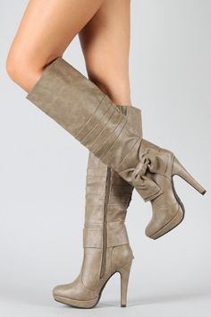 Hm. I probably don't need another pair of boots since I live in Florida, but these are TEMPTING.