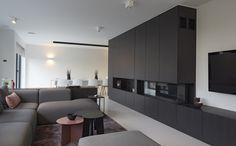 Design vloeren voor elk interieuR Residential Flooring by Bolidt biedt met zijn gietvloeren een uniek antwoord op de vraag van architecten en bouwheren naar originaliteit, puurheid en duurzaamheid. Met oog voor detail en een constant streven naar perfectie. Ode Puur #polyurethaan #gietvloer #wit