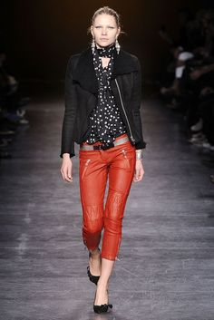 Isabel Marant Fall 2010 Ready-to-Wear Collection Photos - Vogue