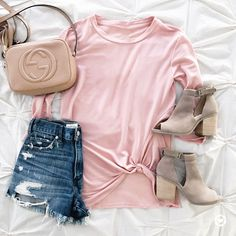 casual outfit inspiration- click through for details- @sunsetsandstilettos, peep toe booties