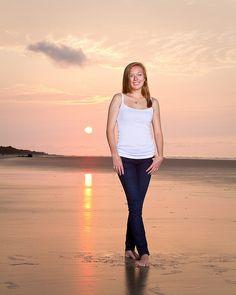 How to Shoot a Picture Perfect Beach Portrait - Photography, Landscape photography, Photography tips Candid Photography, Documentary Photography, Portrait Photography, Inspiring Photography, Creative Photography, Digital Photography, Beach Portraits, Outdoor Portraits, Senior Portraits