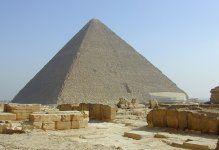 La Pyramide de Khéops, symbole de l'Egypte - Le seule des 7 merveilles du monde Antique encore debout.