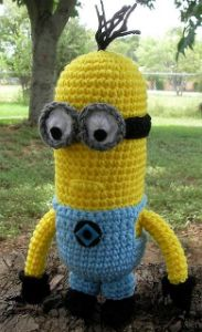 Free Minion from Despicable Me crochet amigurumi pattern.