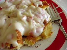 Chipped Beef on Toast : My mom made this when I was growing up. Its a very simple dish, filling and easy to make. Its good over toast, or for something more healthy, serve over steamed green beans. Creamed Chipped Beef, Creamed Beef, Beef Recipes, Cooking Recipes, Recipies, Cooking Games, Cooking Classes, Yummy Recipes, Dinner Recipes