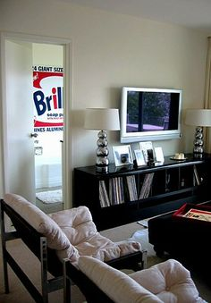 wall mounted flat screen