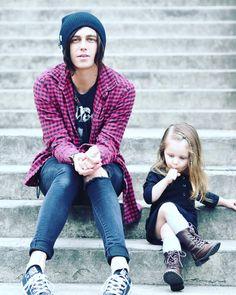 Kellin and Copeland Quinn. So cute!