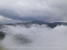 Wolkenspiele am Morgen über Deutschnofen im Eggental - Foto: Mario Hübner Mario, Mountains, Nature, Travel, Pictures, Roses Garden, Clouds, Hiking, Italy