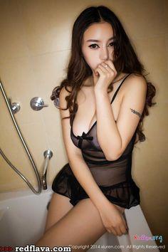 Chen Si Qi - Bikini And Lingerie Shoots