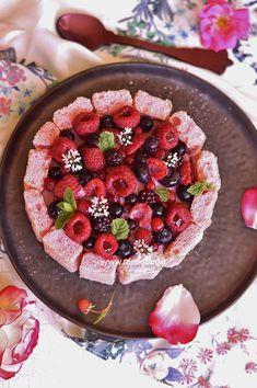Charlotte aux fruits des bois fraises et framboises. Un gâteau réalisé en Visitez mon site www.nutrigood.fr