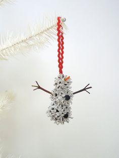 Snowman Christmas Ornament Sweet Gum by WestTwinCreationsLLC . Snowman Christmas Ornaments, Christmas Art, Christmas Decorations, Sweet Gum Tree Crafts, Teal Pumpkin Project, Pine Cone Crafts, Acorn Crafts, Xmax, Nature Crafts