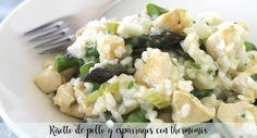 Risotto de pollo y espárragos con thermomix Chicken Asparagus, Fresh Chicken, Rissoto Thermomix, Celery, Potato Salad, Garlic, Rice, Cooking, Bacon