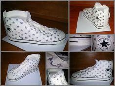 Converse shoe with star pattern cake Csillagmintás