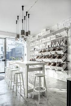 Phill's Corner Bistro   white interior with bread baskets