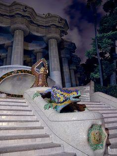 Antoni Gaudí's dragon fountain, Park Güell, Barcelona, Spain