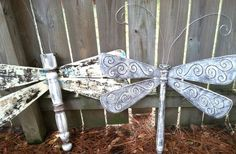 DIY projects, Holiday ideas, Recycled Art and Tutorials. My mosaic art at LucyDesignsArt.com. Creator of table leg dragonflies with fan blade wings