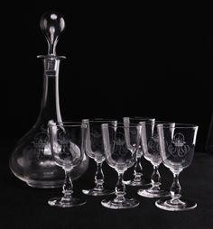 Baccarat, fin XIXe, verre et carafe chiffrées couronne de Marquis
